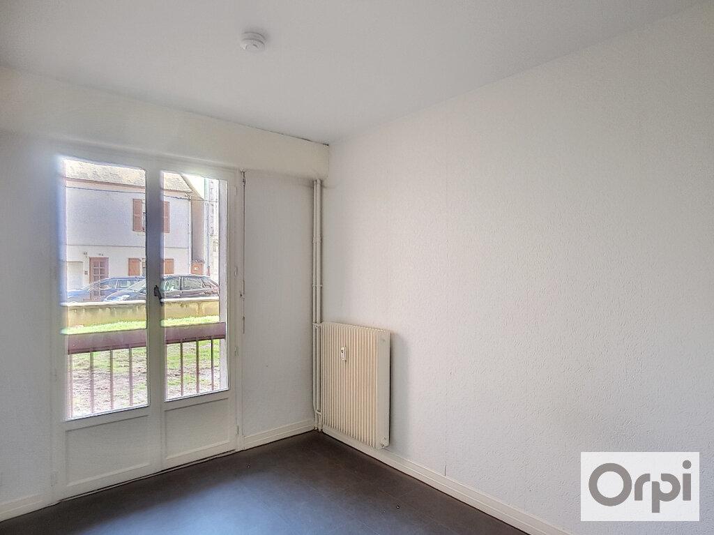 Appartement à louer 1 14.7m2 à Montluçon vignette-6