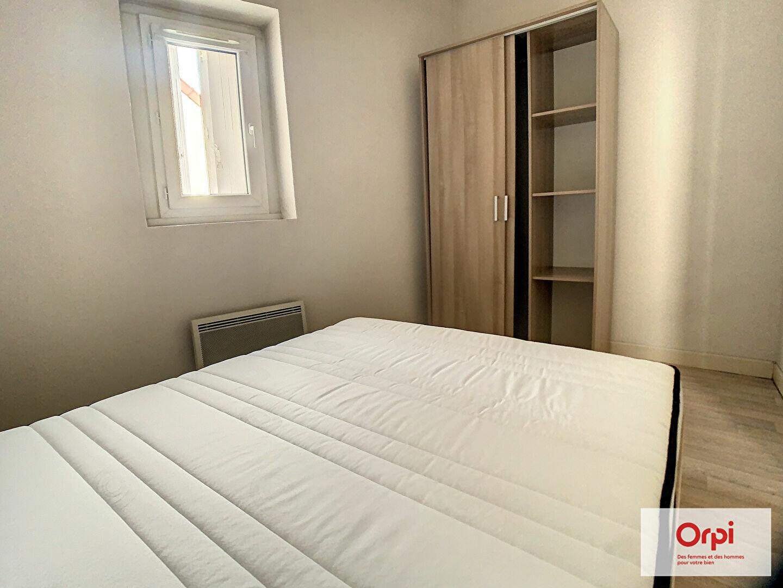 Appartement à louer 1 33.97m2 à Montluçon vignette-4