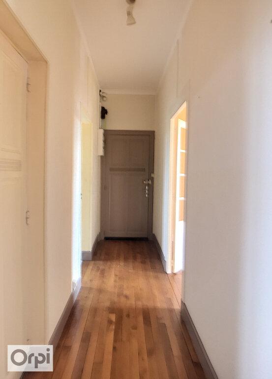 Appartement à louer 3 64.68m2 à Montluçon vignette-2