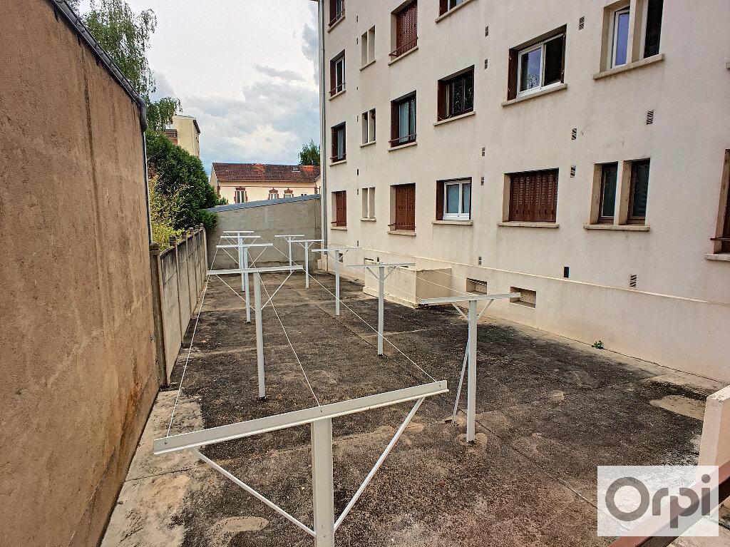 Appartement à louer 4 64.7m2 à Montluçon vignette-11