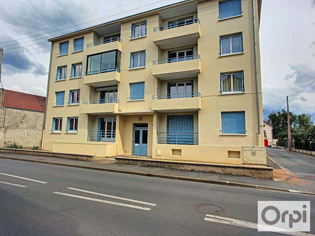 Appartement à louer 4 64.7m2 à Montluçon vignette-12