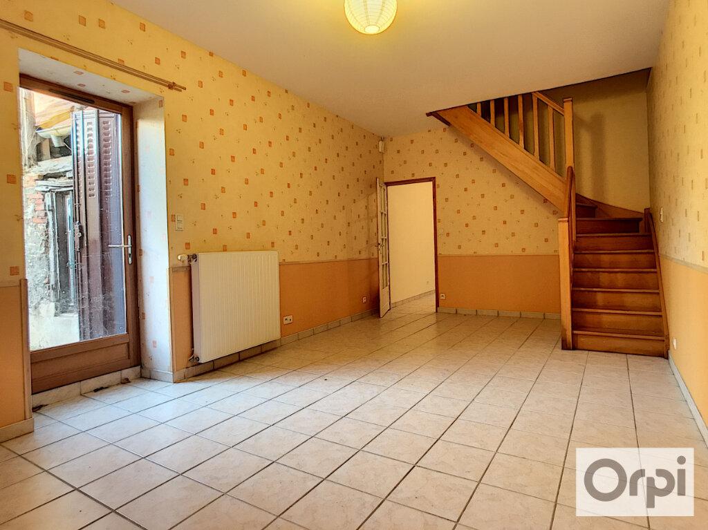 Appartement à louer 3 74.45m2 à Huriel vignette-1