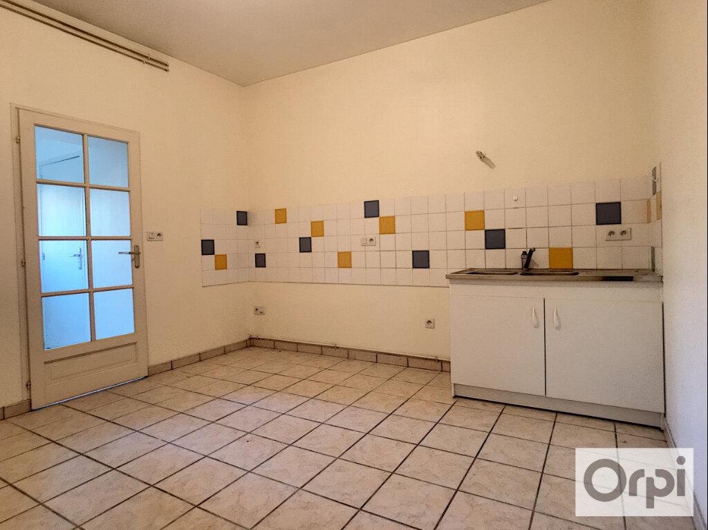 Appartement à louer 3 74.45m2 à Huriel vignette-2