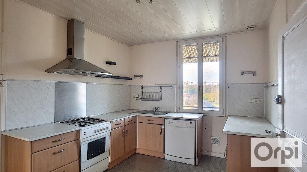 Appartement à louer 5 102.08m2 à Domérat vignette-1