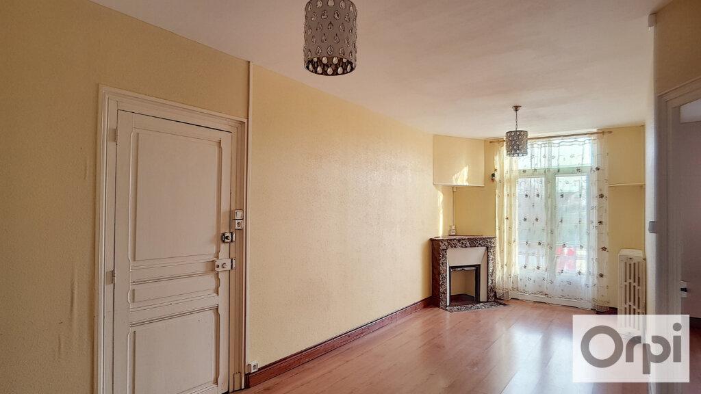 Appartement à louer 5 102.08m2 à Domérat vignette-2