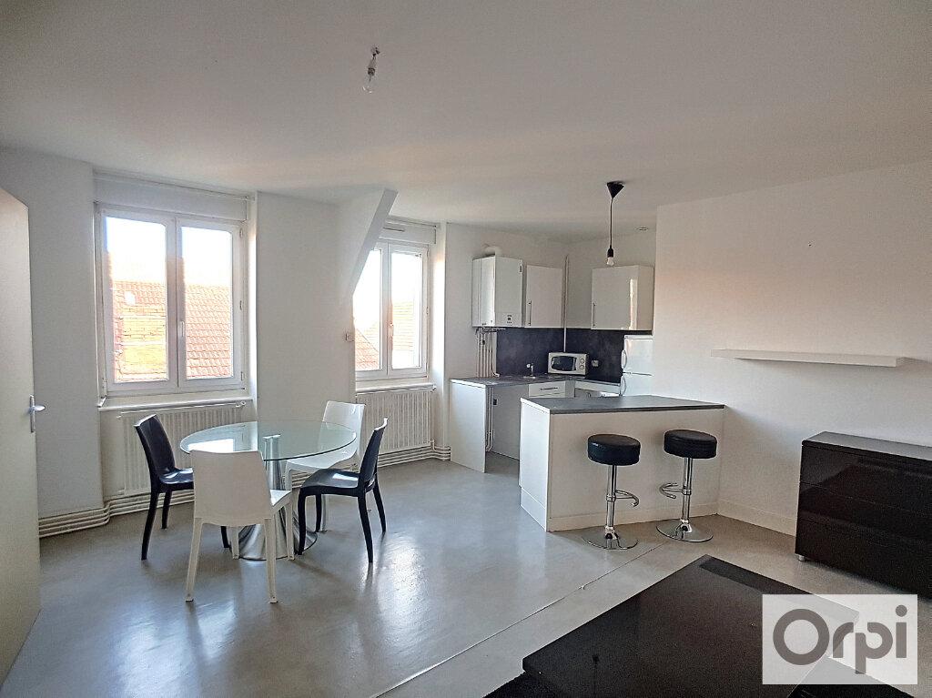 Appartement à louer 2 38.81m2 à Montluçon vignette-1