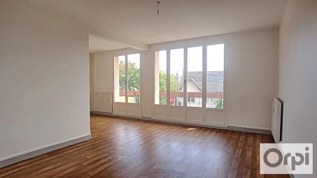 Appartement à louer 3 74.93m2 à Montluçon vignette-4