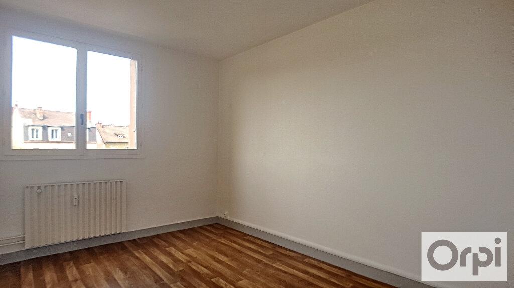 Appartement à louer 3 74.93m2 à Montluçon vignette-5