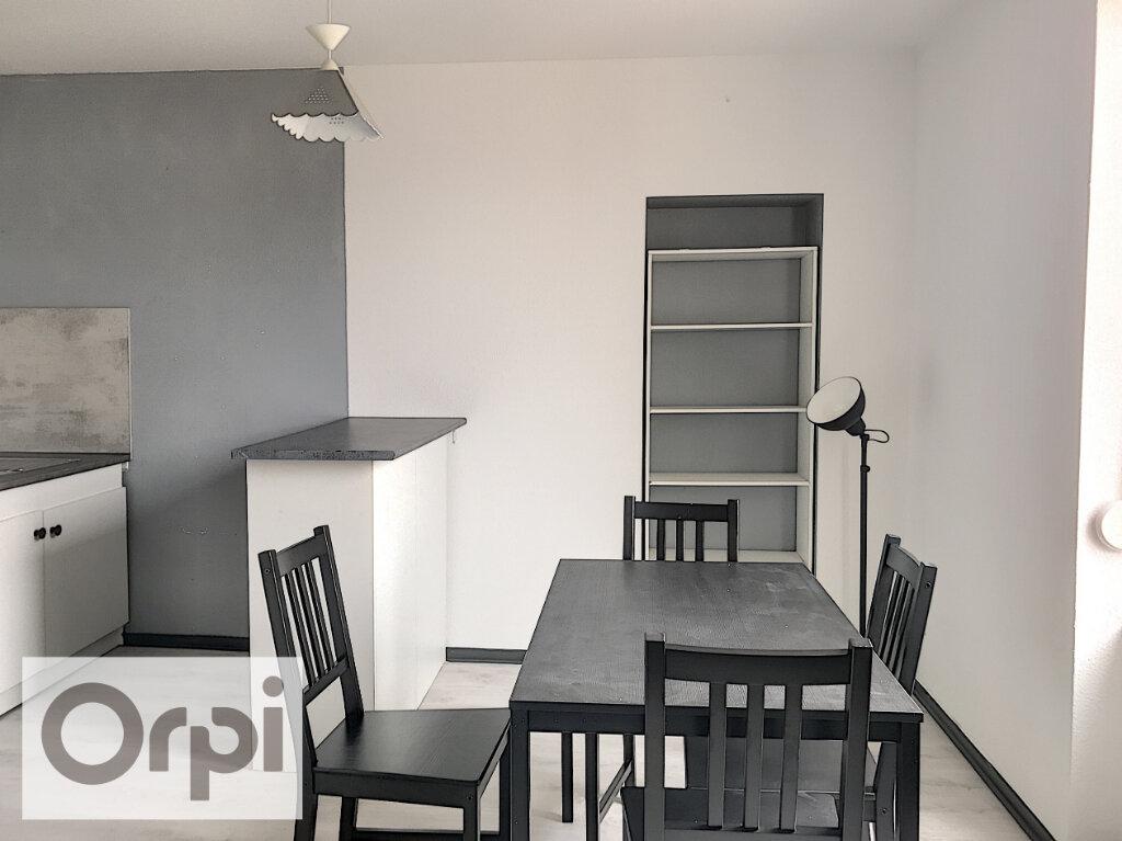 Appartement à louer 1 27.51m2 à Montluçon vignette-3