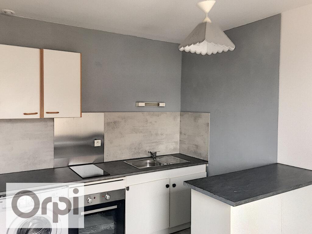 Appartement à louer 1 27.51m2 à Montluçon vignette-4