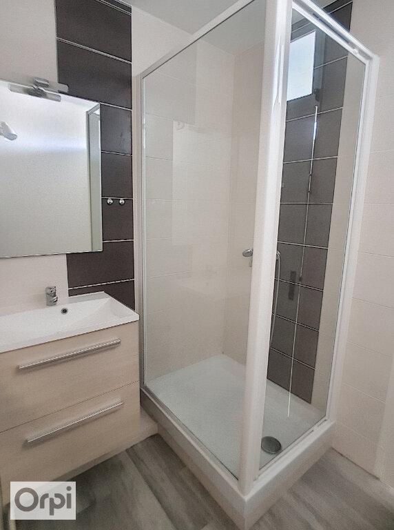 Appartement à louer 3 62.03m2 à Montmarault vignette-5
