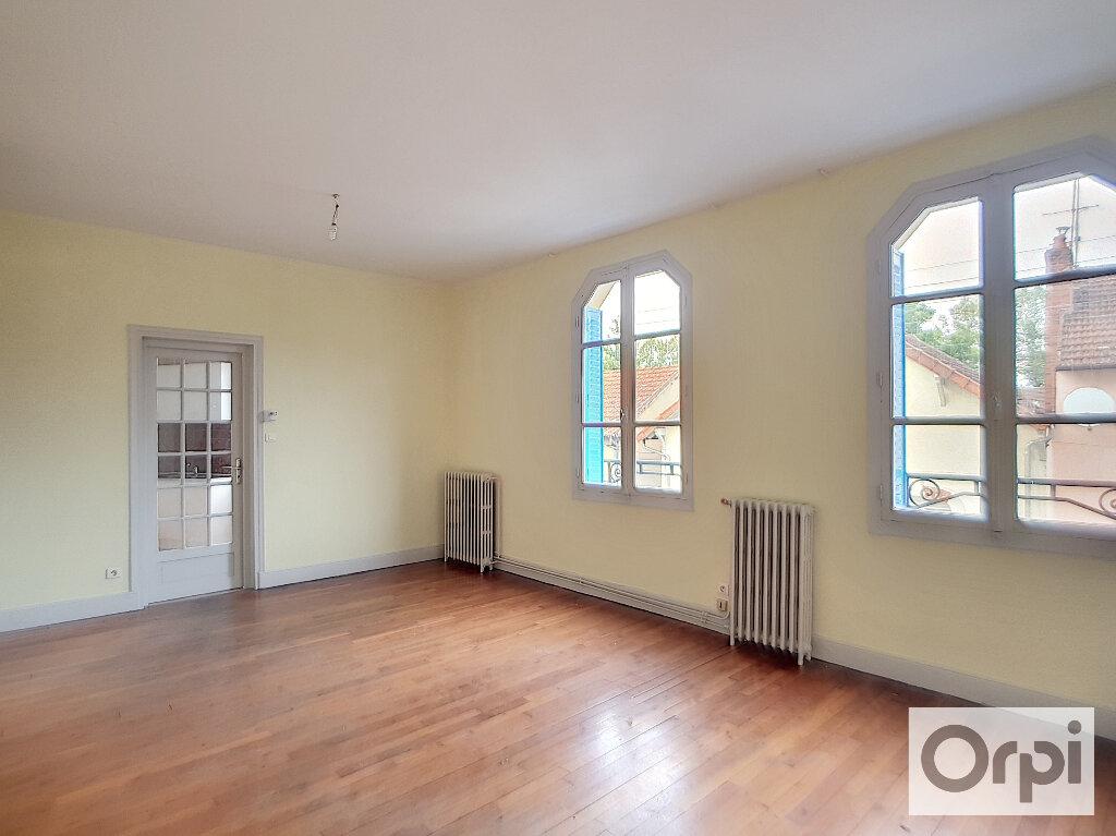 Appartement à louer 3 77.36m2 à Montluçon vignette-1