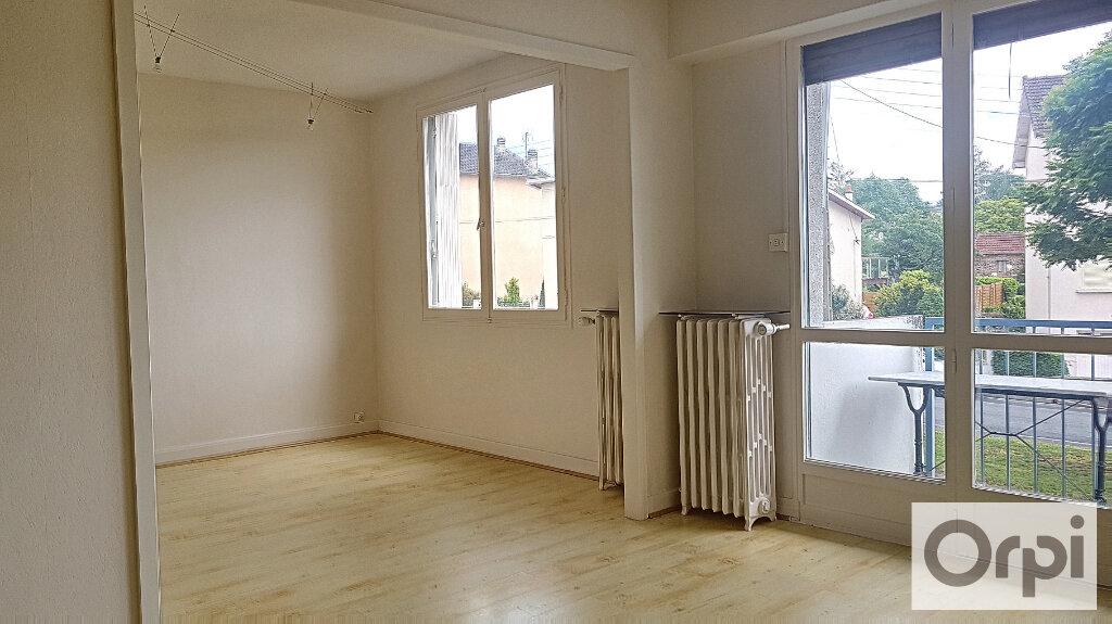 Appartement à louer 2 51m2 à Montluçon vignette-1