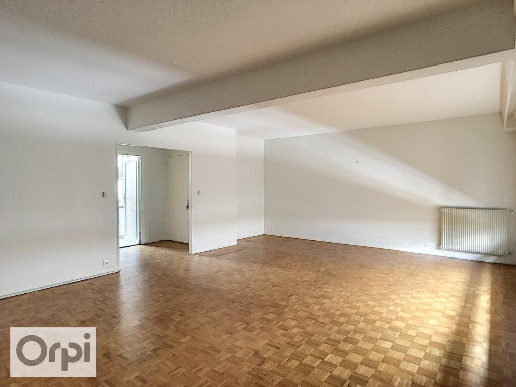Appartement à louer 5 105.87m2 à Montluçon vignette-3
