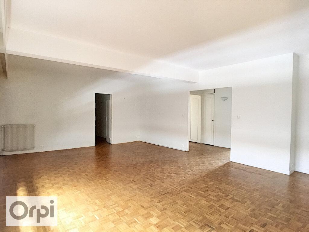 Appartement à louer 5 105.87m2 à Montluçon vignette-4