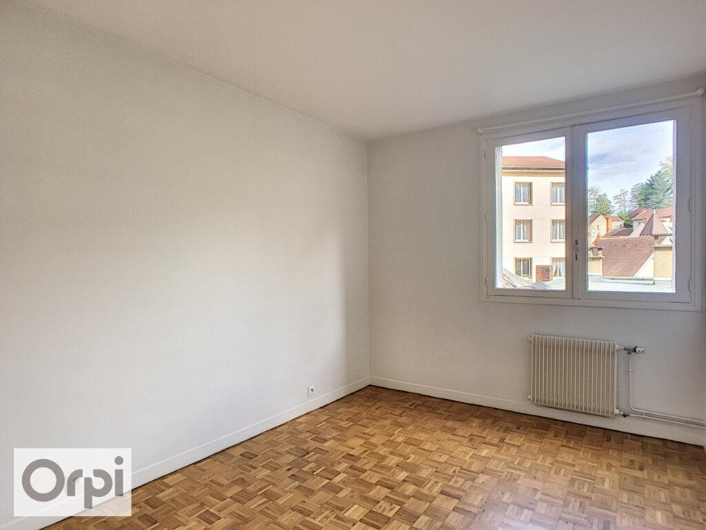 Appartement à louer 5 105.87m2 à Montluçon vignette-5
