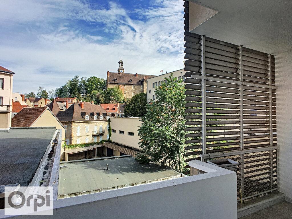 Appartement à louer 5 105.87m2 à Montluçon vignette-9