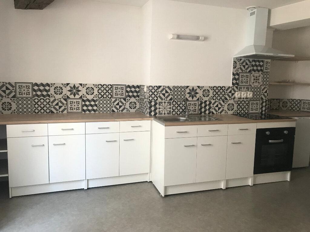 Appartement à louer 3 60.43m2 à Montluçon vignette-1