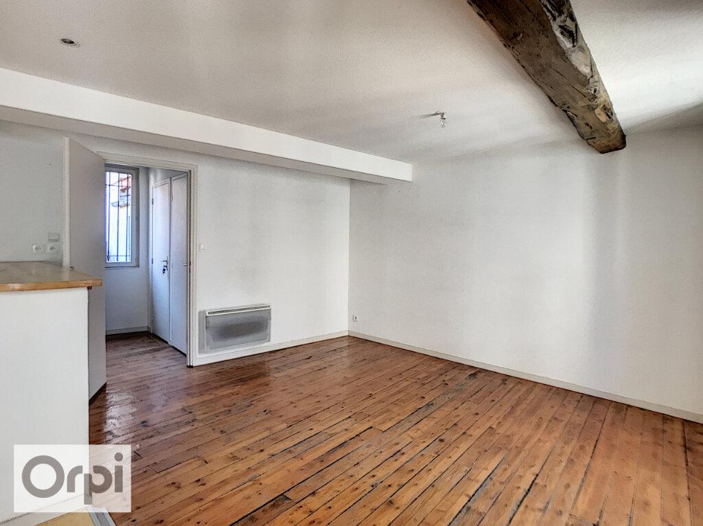 Appartement à louer 3 60.43m2 à Montluçon vignette-2