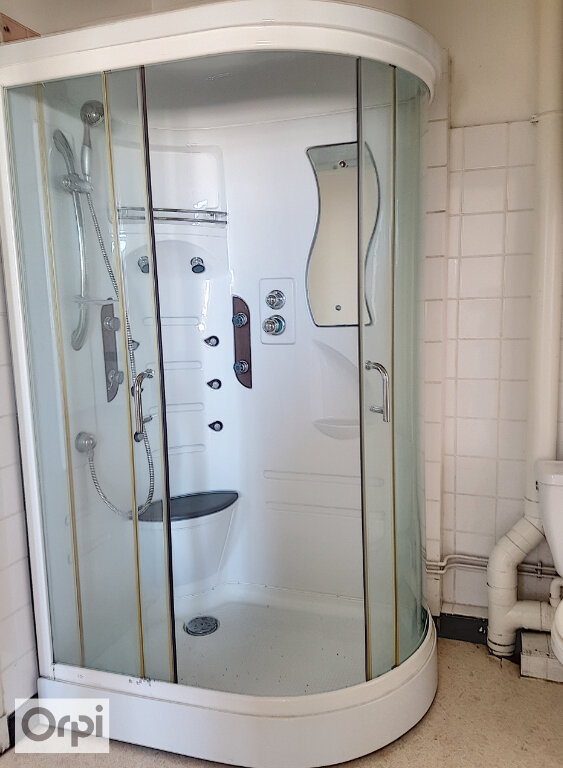 Appartement à louer 3 54.43m2 à Montluçon vignette-3