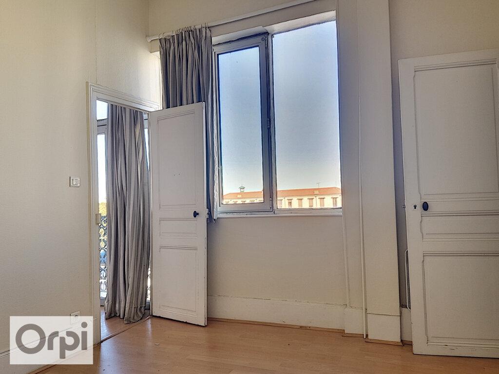 Appartement à louer 3 54.43m2 à Montluçon vignette-5