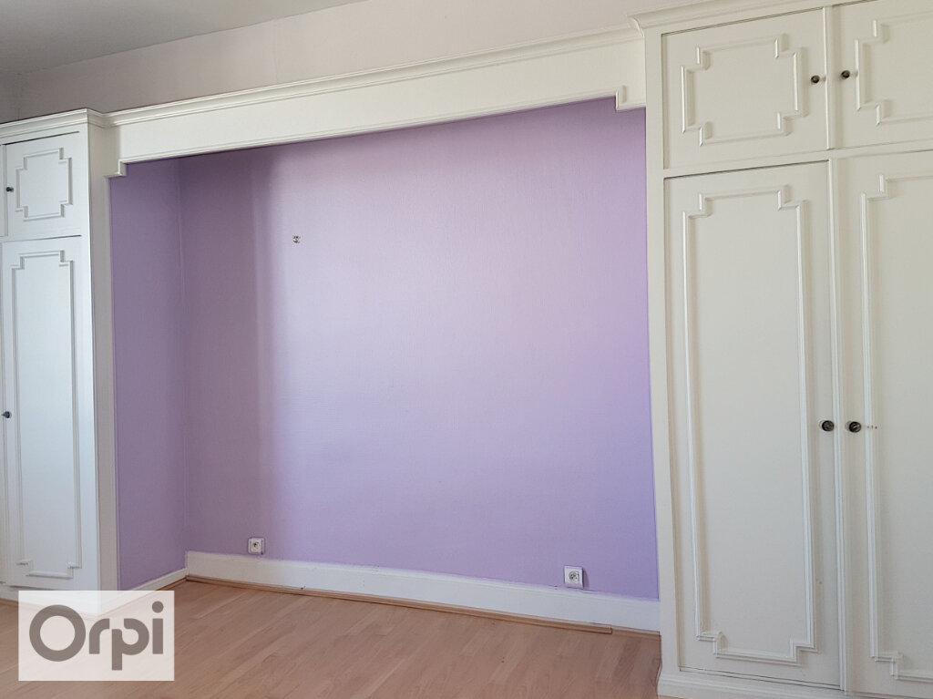 Appartement à louer 3 54.43m2 à Montluçon vignette-7