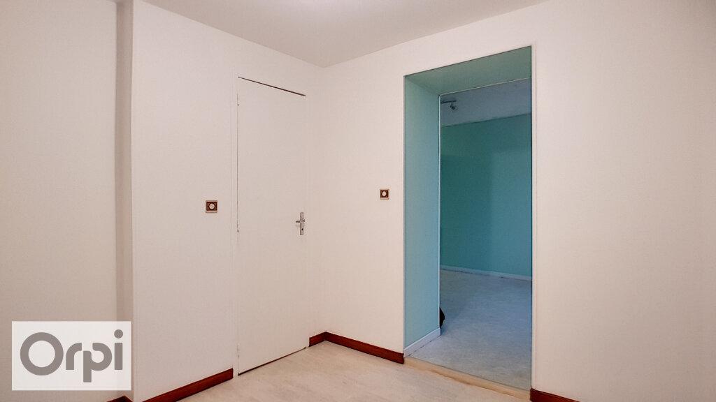Appartement à louer 2 44m2 à Montmarault vignette-9