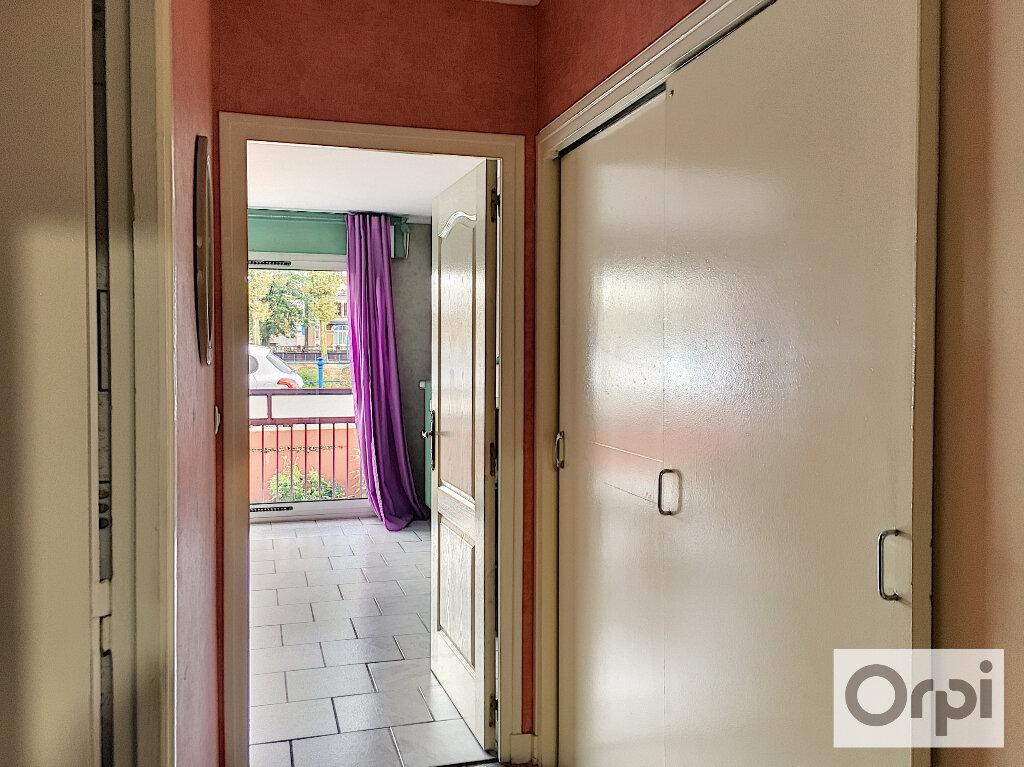 Appartement à louer 1 27m2 à Montluçon vignette-7