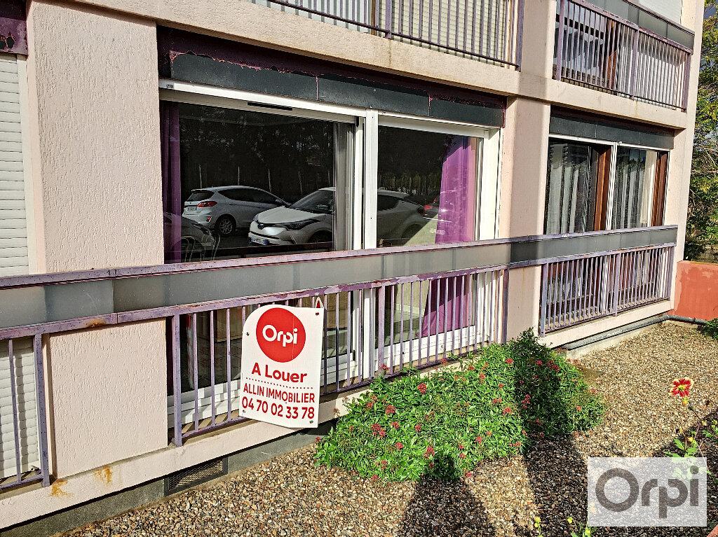 Appartement à louer 1 27m2 à Montluçon vignette-9