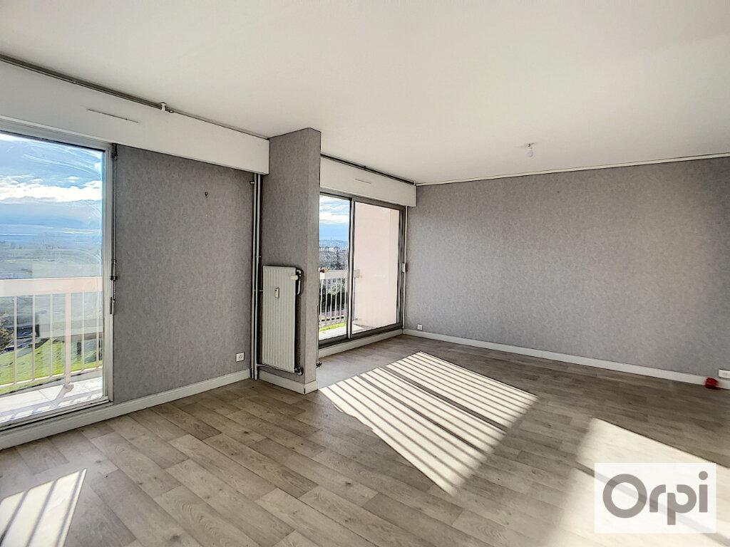 Appartement à louer 3 72m2 à Montluçon vignette-2