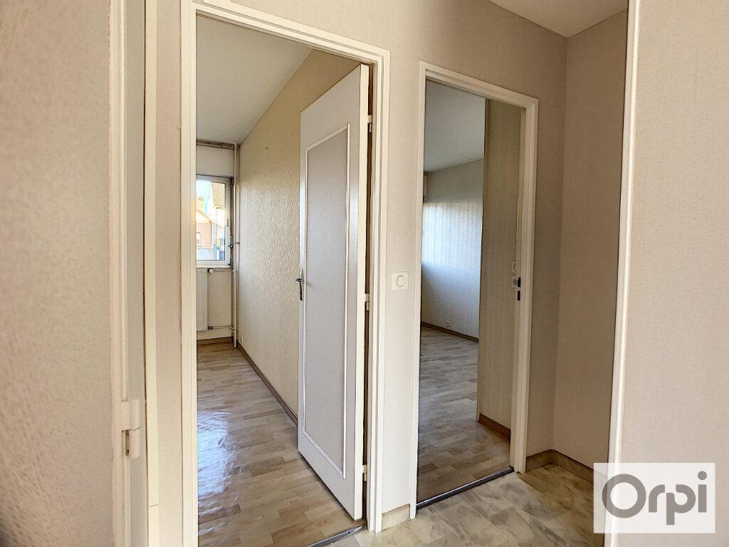 Appartement à louer 3 72m2 à Montluçon vignette-6