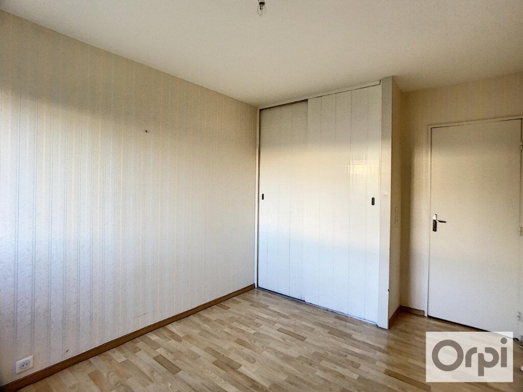 Appartement à louer 3 72m2 à Montluçon vignette-9