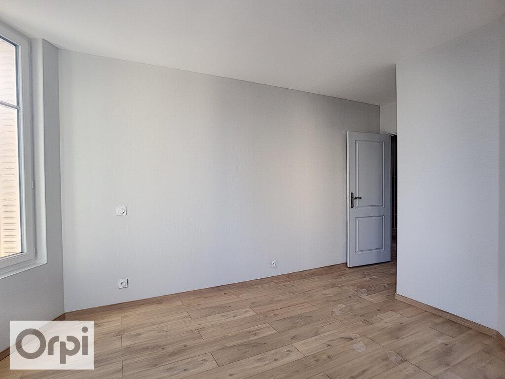 Appartement à louer 3 85m2 à Montluçon vignette-7