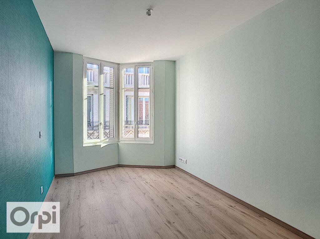 Appartement à louer 3 85m2 à Montluçon vignette-9