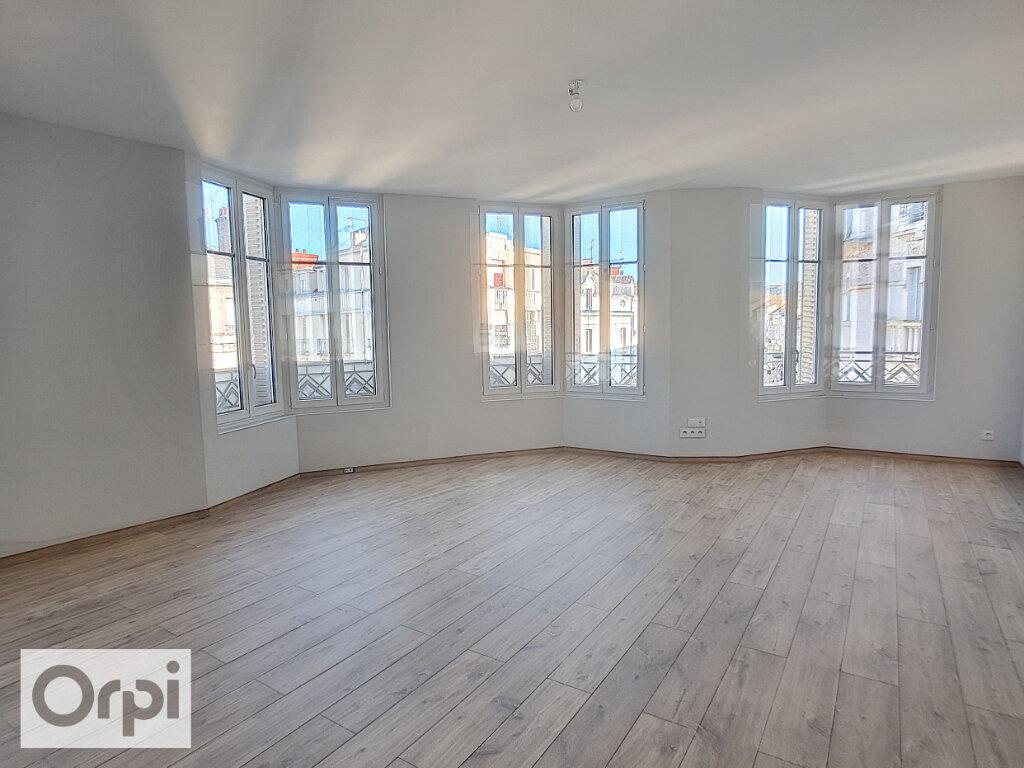 Appartement à louer 3 85m2 à Montluçon vignette-4