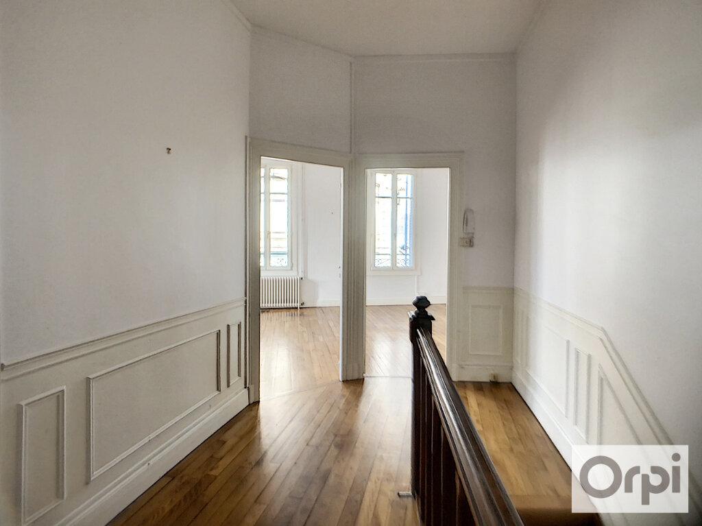 Appartement à louer 4 100m2 à Montluçon vignette-10