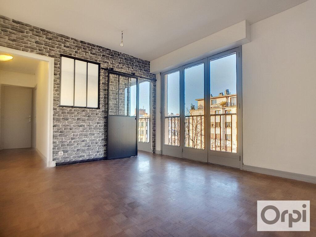 Appartement à louer 2 37.89m2 à Montluçon vignette-1