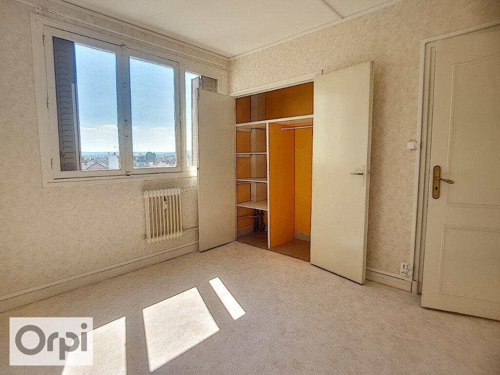 Appartement à louer 3 65.82m2 à Montluçon vignette-7
