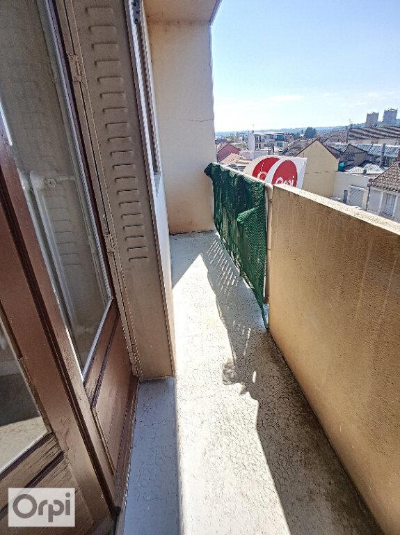 Appartement à louer 3 65.82m2 à Montluçon vignette-9
