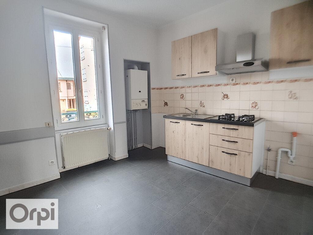 Appartement à louer 1 38m2 à Montluçon vignette-2