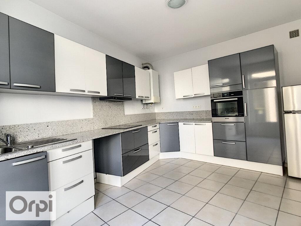Appartement à louer 4 94.55m2 à Montluçon vignette-1