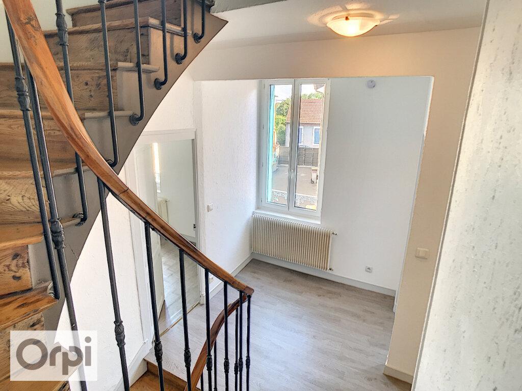 Appartement à louer 4 94.55m2 à Montluçon vignette-12