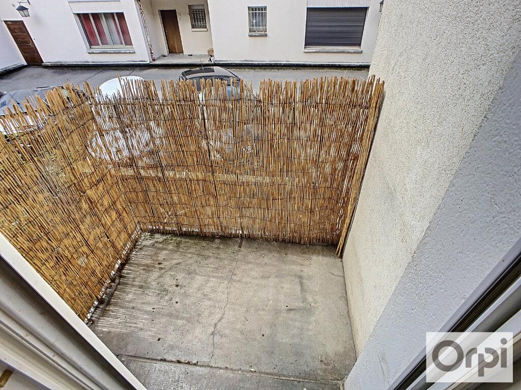 Appartement à louer 3 60.2m2 à Montluçon vignette-3