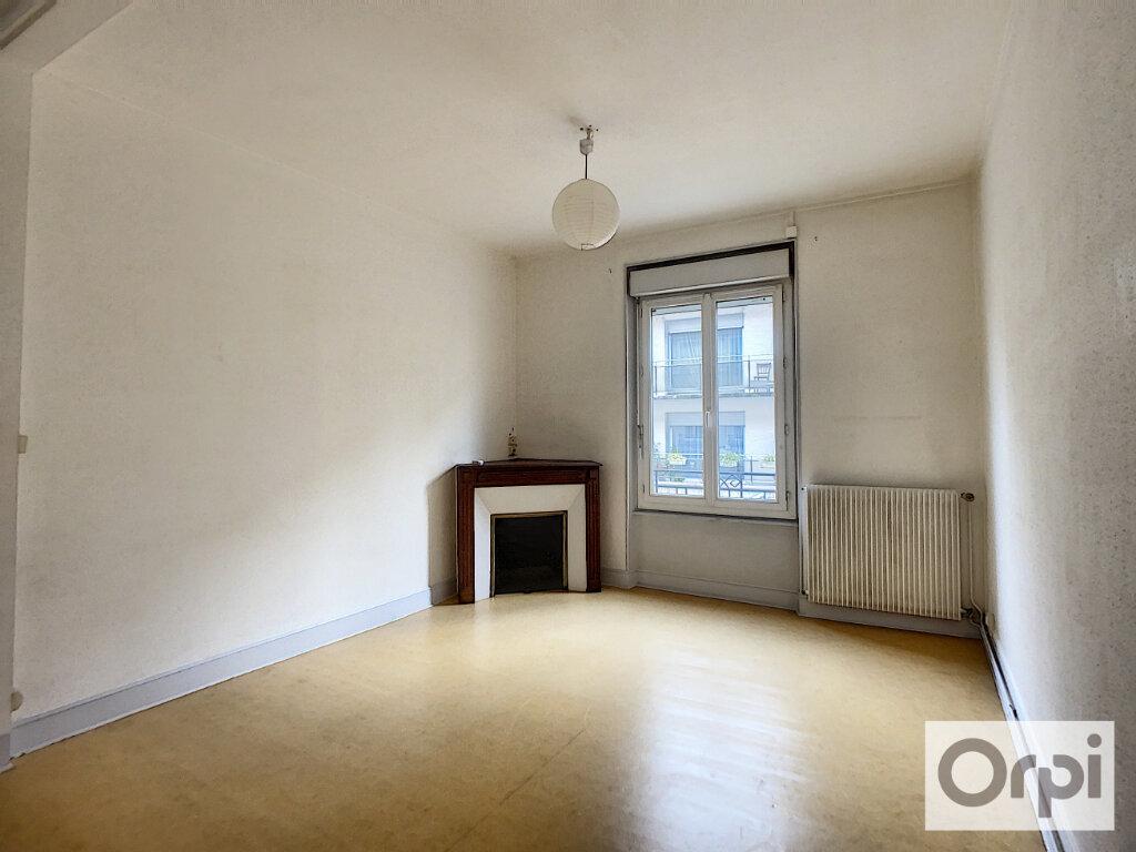 Appartement à louer 3 60.2m2 à Montluçon vignette-4