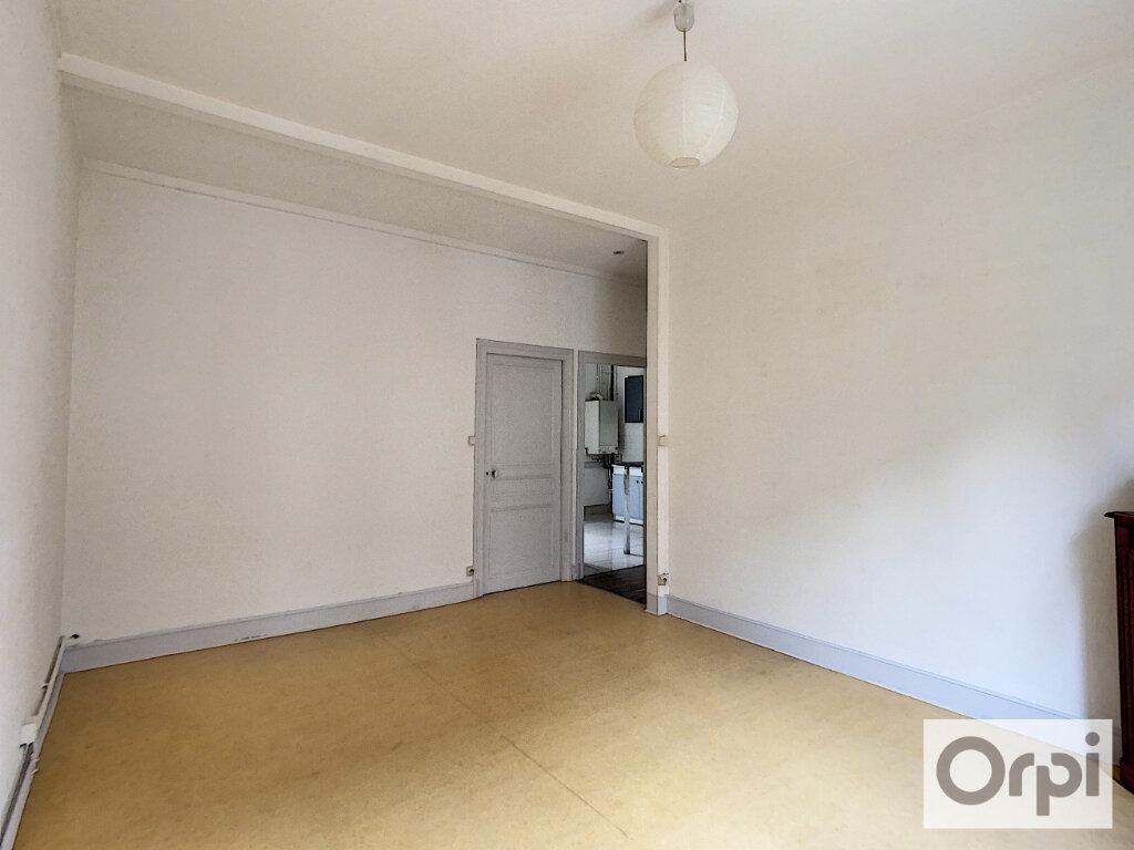 Appartement à louer 3 60.2m2 à Montluçon vignette-5