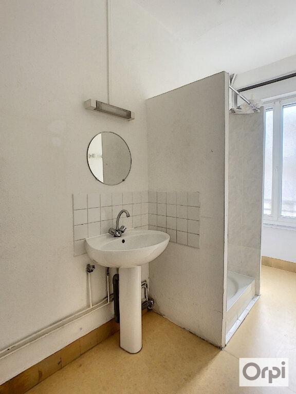 Appartement à louer 3 60.2m2 à Montluçon vignette-8