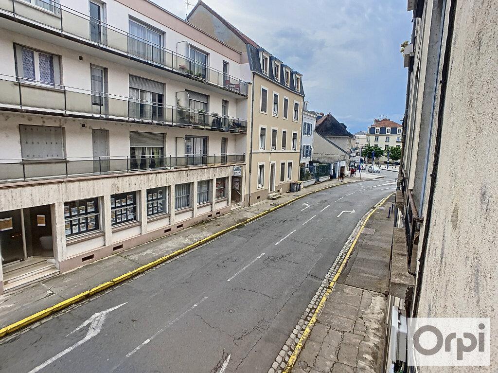 Appartement à louer 3 60.2m2 à Montluçon vignette-9