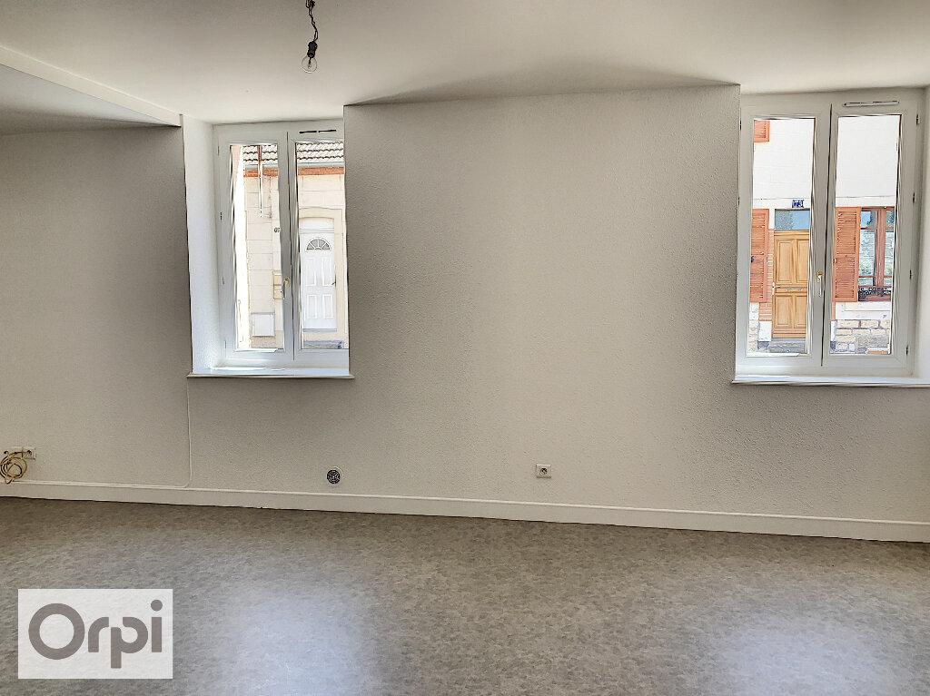 Appartement à louer 3 60.76m2 à Montluçon vignette-3