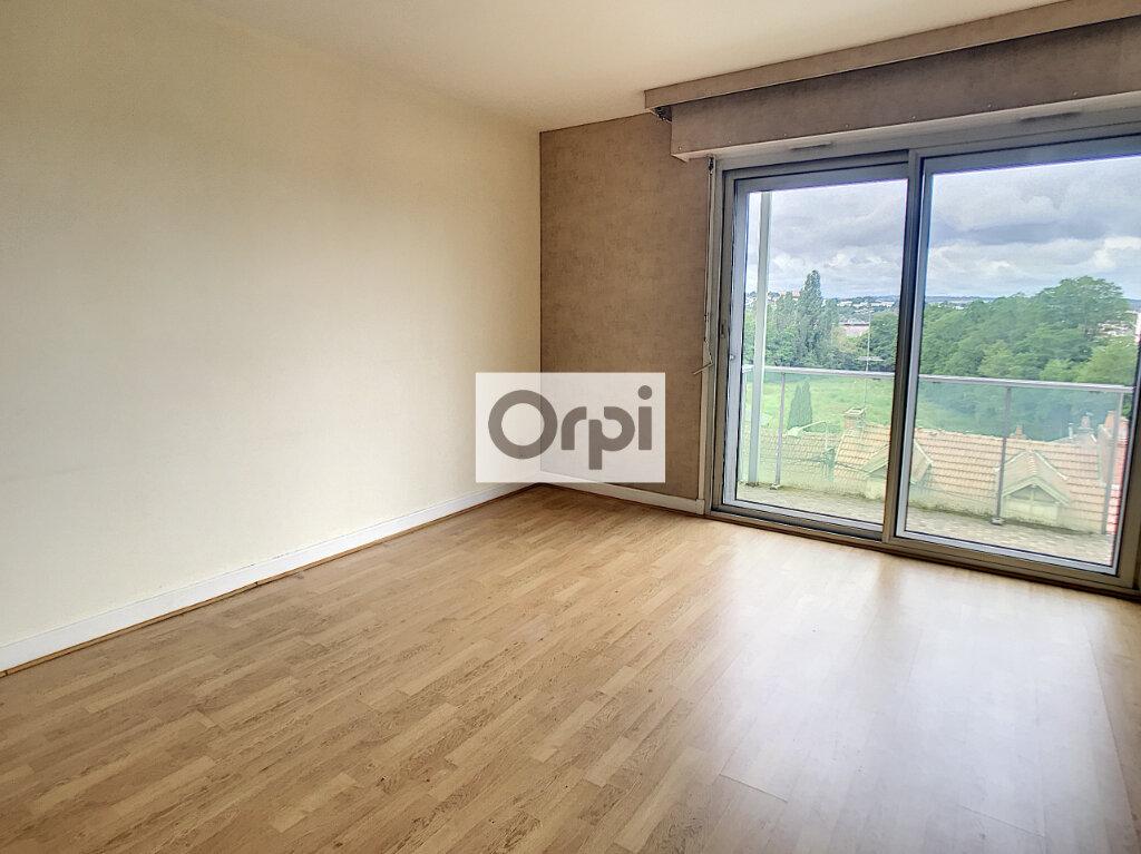 Appartement à louer 3 63.35m2 à Montluçon vignette-4