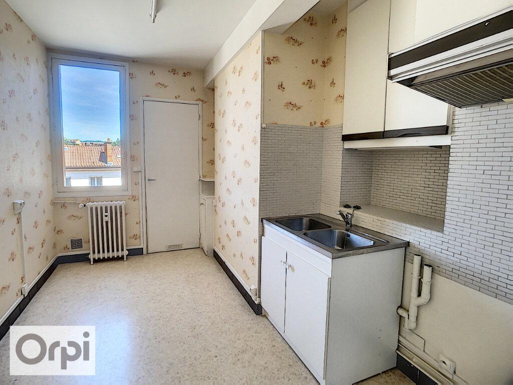 Appartement à louer 3 72m2 à Montluçon vignette-4